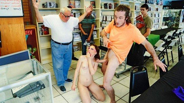 Гиг Порно На Публике гигпорно видео