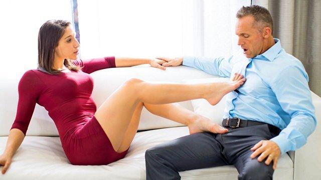 Гиг Порно Супруги делятся впечатлениями после свингерского секса и возбуждаются все больше и больше, эротика для женщин HD Брюнетки Волосатые Киски Для Женщин Куннилингус Минет Натуральные Сиськи Ножки гигпорно видео