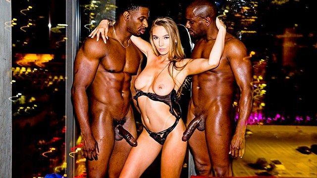 Гиг Порно Секси тёлка после развода с мужем решила вкусить вкус порева с двумя неграми мжм с большими фаллосами гигпорно видео