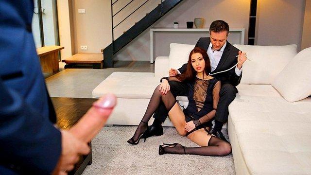 Гиг Порно Моя молодая жена любит, когда к нашему сексу присоединяется третий. Европейское семейное порно втроем мжм HD Бритые Киски Брюнетки Дрочка Жесткий Секс Красотки Минет Натуральные Сиськи Нижнее Бельё Секс Втроем гигпорно видео