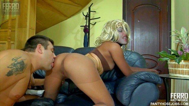 Гиг Порно  HD Блондинки Жесткий Секс Куннилингус Маленькие Сиськи Минет Молодые Нижнее Бельё Русское Порно гигпорно видео